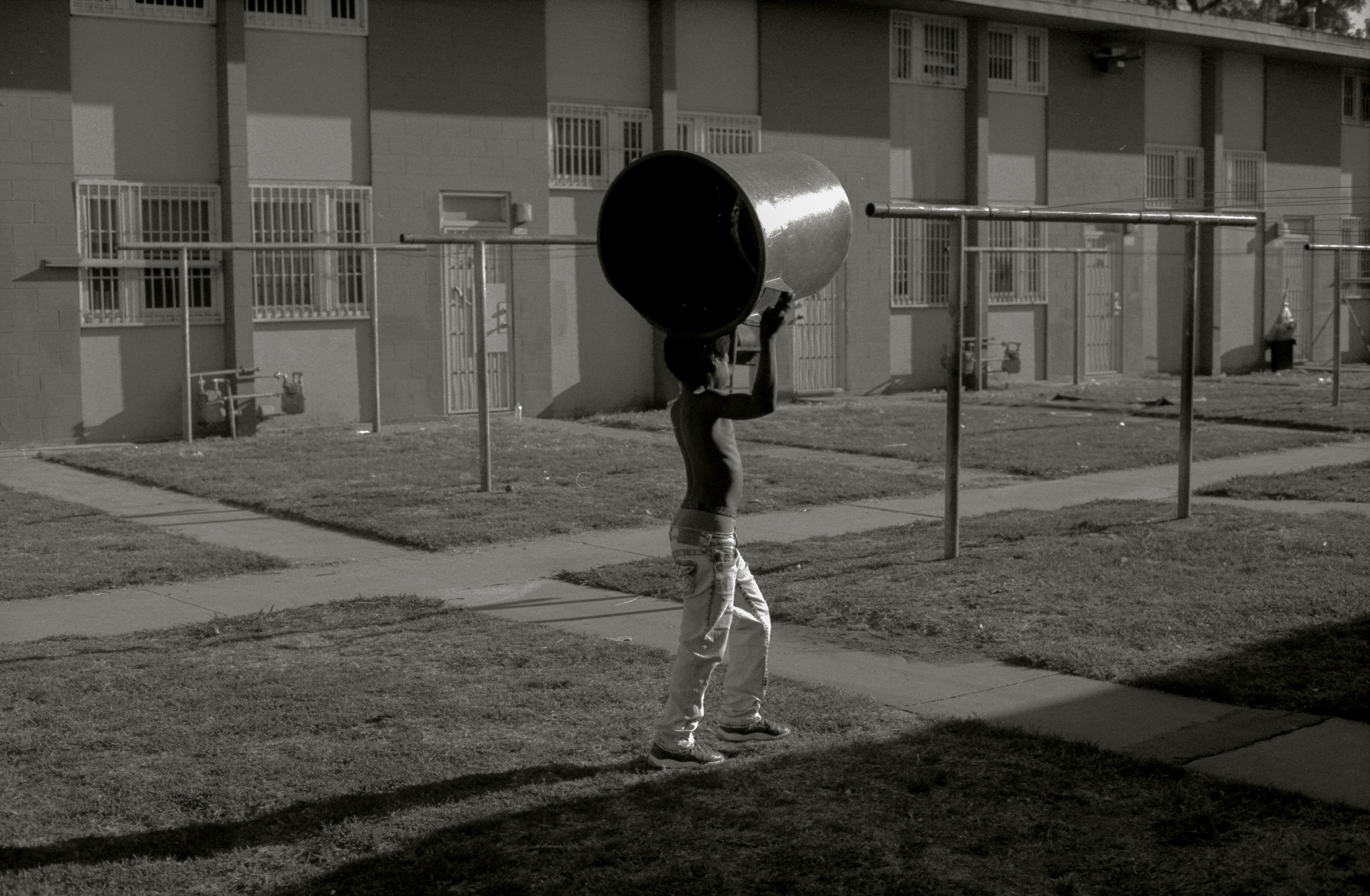 BIRTH Production - Photographers > FROM THE STREETS - Image12